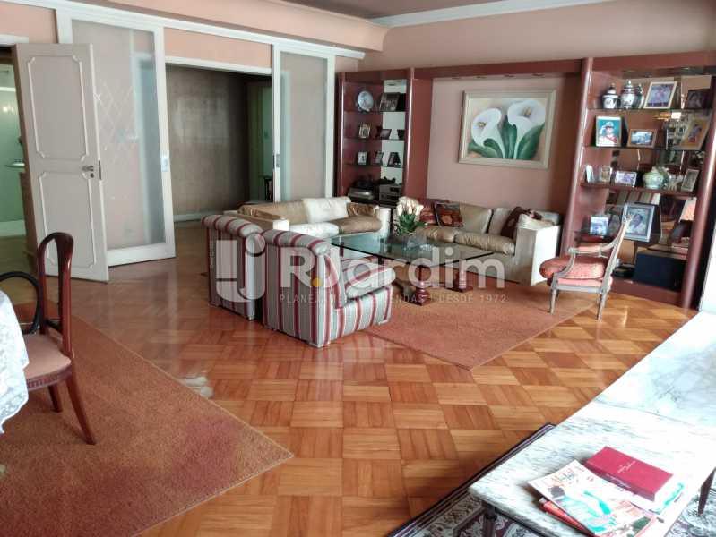 Sala (vista do bar) - Apartamento à venda Rua Constante Ramos,Copacabana, Zona Sul,Rio de Janeiro - R$ 2.200.000 - LAAP40758 - 24