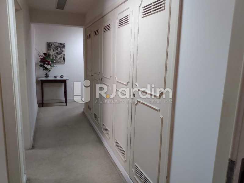 Corredor / Rouparia - Apartamento à venda Rua Constante Ramos,Copacabana, Zona Sul,Rio de Janeiro - R$ 2.200.000 - LAAP40758 - 8