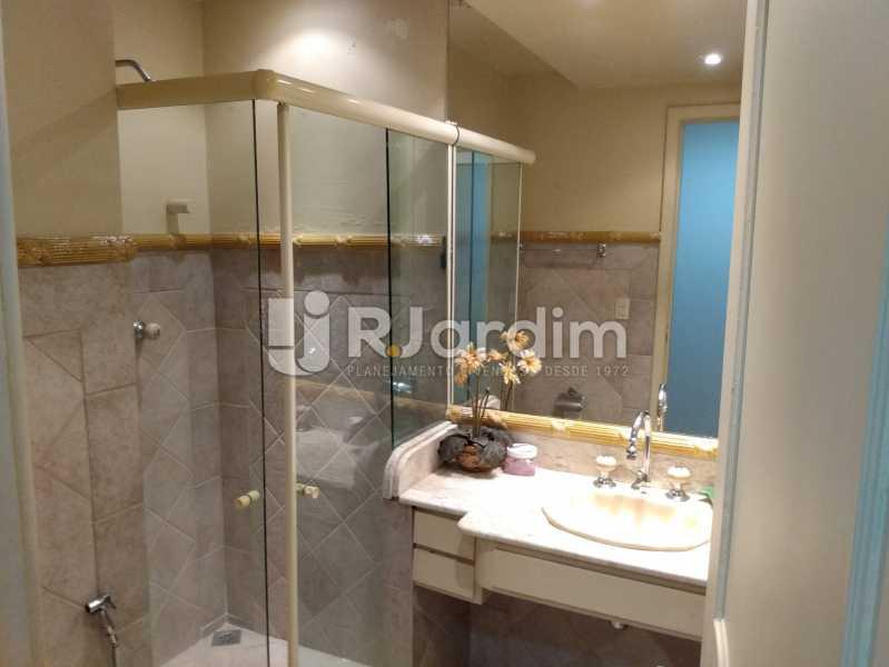 Banheiro social 2 - Apartamento à venda Rua Constante Ramos,Copacabana, Zona Sul,Rio de Janeiro - R$ 2.200.000 - LAAP40758 - 23