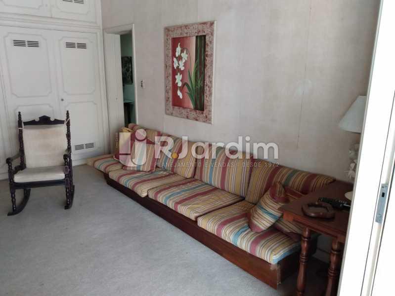 Quarto 1 (Sala TV) - Apartamento à venda Rua Constante Ramos,Copacabana, Zona Sul,Rio de Janeiro - R$ 2.200.000 - LAAP40758 - 10