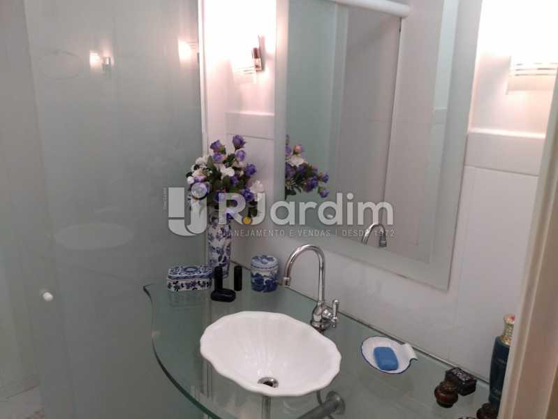 Banheiro social 1 - Apartamento à venda Rua Constante Ramos,Copacabana, Zona Sul,Rio de Janeiro - R$ 2.200.000 - LAAP40758 - 7