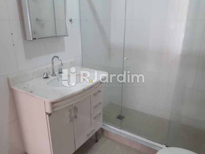 1° Banheiro Social - Apartamento Copacabana, Zona Sul,Rio de Janeiro, RJ Para Alugar, 3 Quartos, 160m² - LAAP32039 - 14