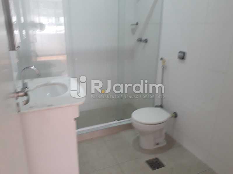 1° Banheiro Social - Apartamento Copacabana, Zona Sul,Rio de Janeiro, RJ Para Alugar, 3 Quartos, 160m² - LAAP32039 - 15