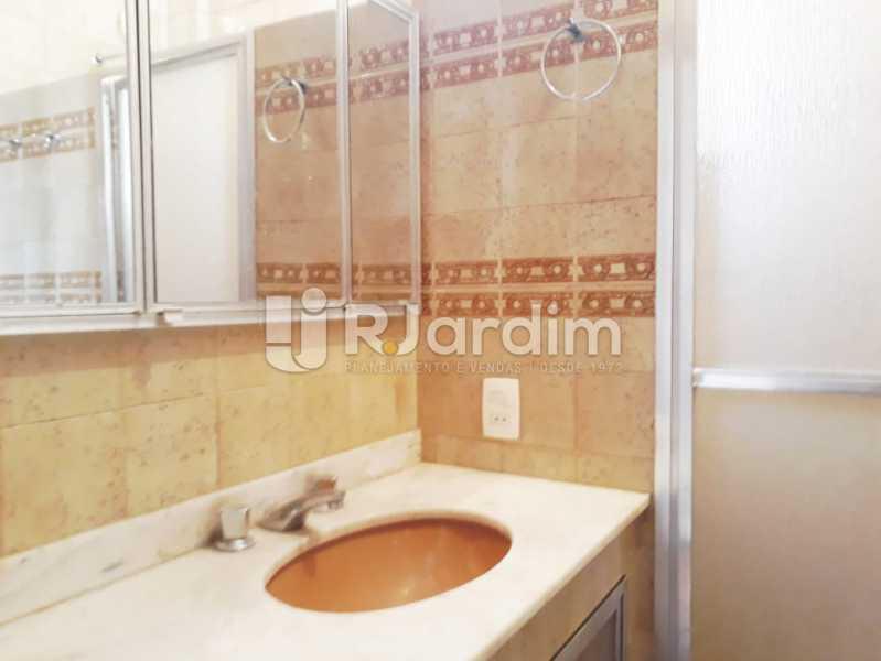 banheiro social - Apartamento Jardim Botânico 2 Quartos Aluguel Administração Imóveis - LAAP21428 - 11