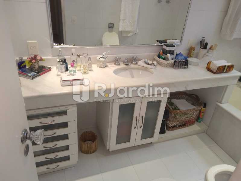 Banheiro da Suíte - Apartamento À Venda Rua Barão da Torre,Ipanema, Zona Sul,Rio de Janeiro - R$ 3.800.000 - LAAP32043 - 24