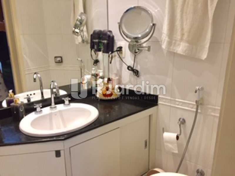 Banheiro - Apartamento À Venda - Copacabana - Rio de Janeiro - RJ - LAAP32055 - 21
