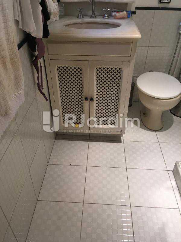 Banheiro social - Apartamento Rua Artur Araripe,Gávea, Zona Sul,Rio de Janeiro, RJ À Venda, 3 Quartos, 117m² - LAAP32056 - 23