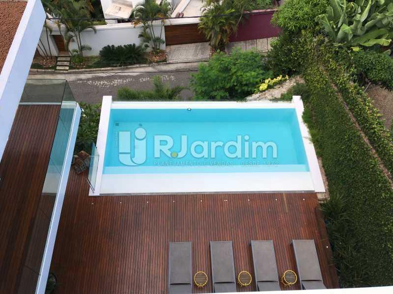 Vista piscina - Casa em Condominio À Venda - Joá - Rio de Janeiro - RJ - LACN40018 - 31