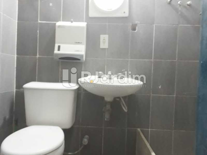 banheiro social 2 andar - Casa comercial em Botafogo - LACC00038 - 14