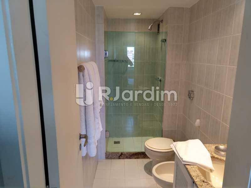 Banheiro suite - Cobertura Leblon, Zona Sul,Rio de Janeiro, RJ À Venda, 3 Quartos, 166m² - LACO30276 - 14