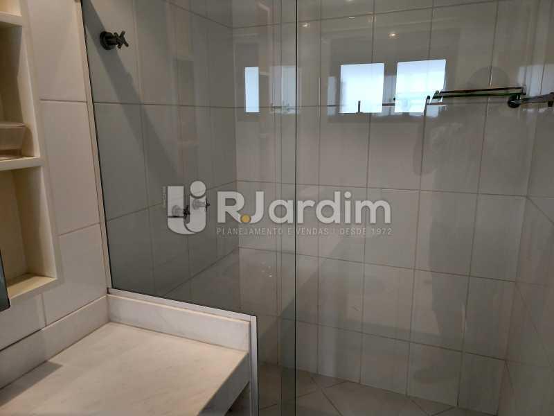Banheiro suite - Cobertura Leblon, Zona Sul,Rio de Janeiro, RJ À Venda, 3 Quartos, 166m² - LACO30276 - 8