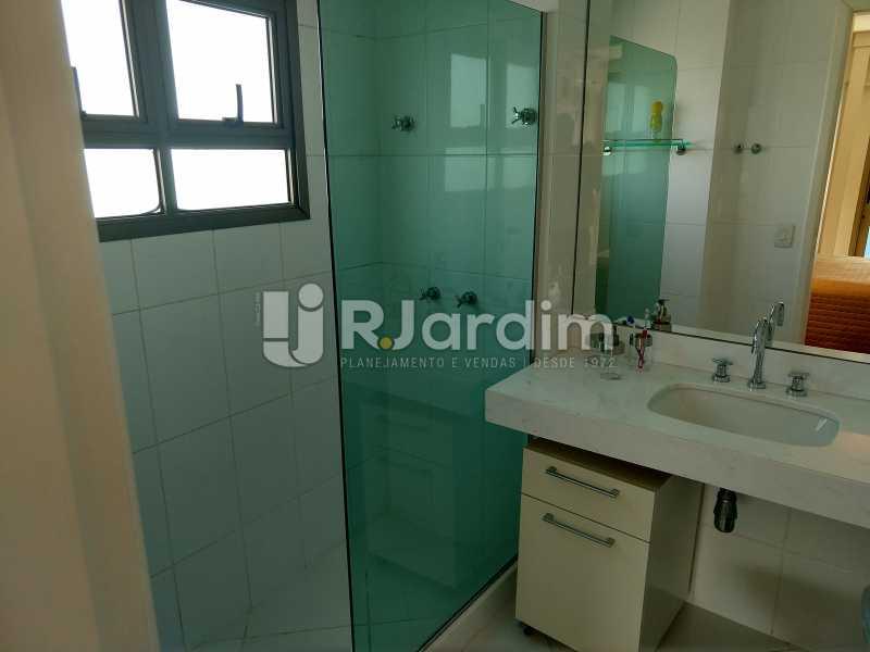 Banheiro suite - Cobertura Leblon, Zona Sul,Rio de Janeiro, RJ À Venda, 3 Quartos, 166m² - LACO30276 - 10
