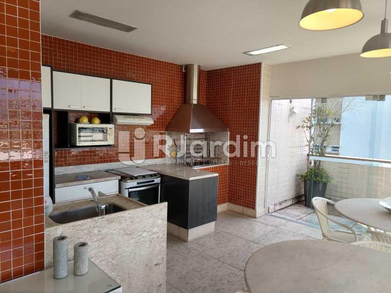 Cozinha coberta  - Cobertura Leblon, Zona Sul,Rio de Janeiro, RJ À Venda, 3 Quartos, 166m² - LACO30276 - 21