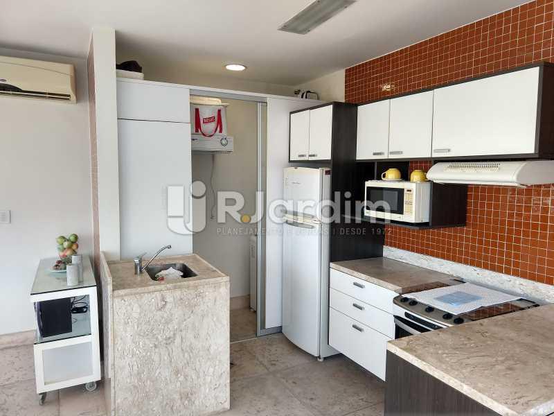 Cozinha-área  - Cobertura Leblon, Zona Sul,Rio de Janeiro, RJ À Venda, 3 Quartos, 166m² - LACO30276 - 22