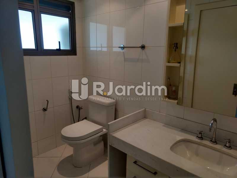 Banheiro suite - Cobertura Leblon, Zona Sul,Rio de Janeiro, RJ À Venda, 3 Quartos, 166m² - LACO30276 - 7