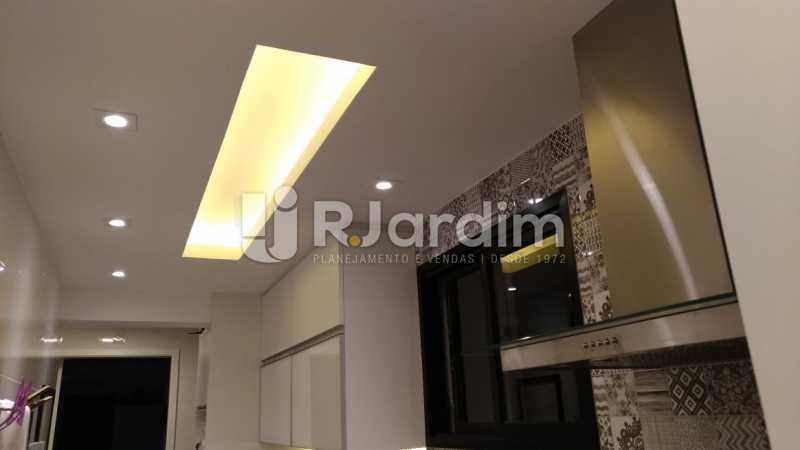 Corredor sala - Apartamento Botafogo 3 Quartos - LAAP32083 - 27