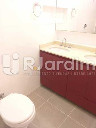 banheiro social - Apartamento Jardim Botânico 2 Quartos Aluguel Administração Imóveis - LAAP21477 - 6