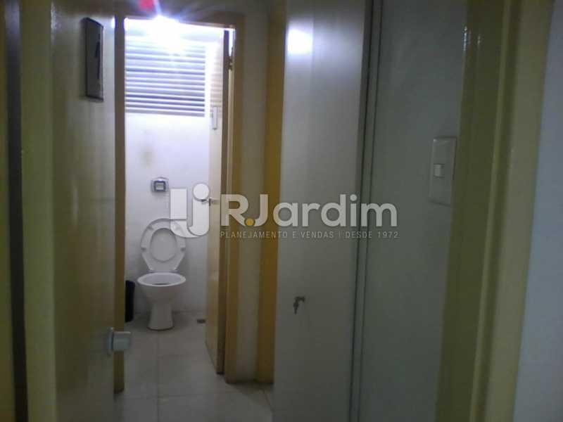 17 Acesso aos banheiros  - Sobreloja À Venda - Centro - Rio de Janeiro - RJ - BGSJ00001 - 18