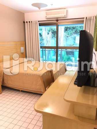 suíte  - Flat Residencial Lagoa Suíte Garagem Aluguel Administração Imóveis - LAFL10092 - 7