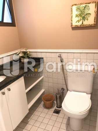 banheiro  - Flat Residencial Lagoa Suíte Garagem Aluguel Administração Imóveis - LAFL10092 - 8