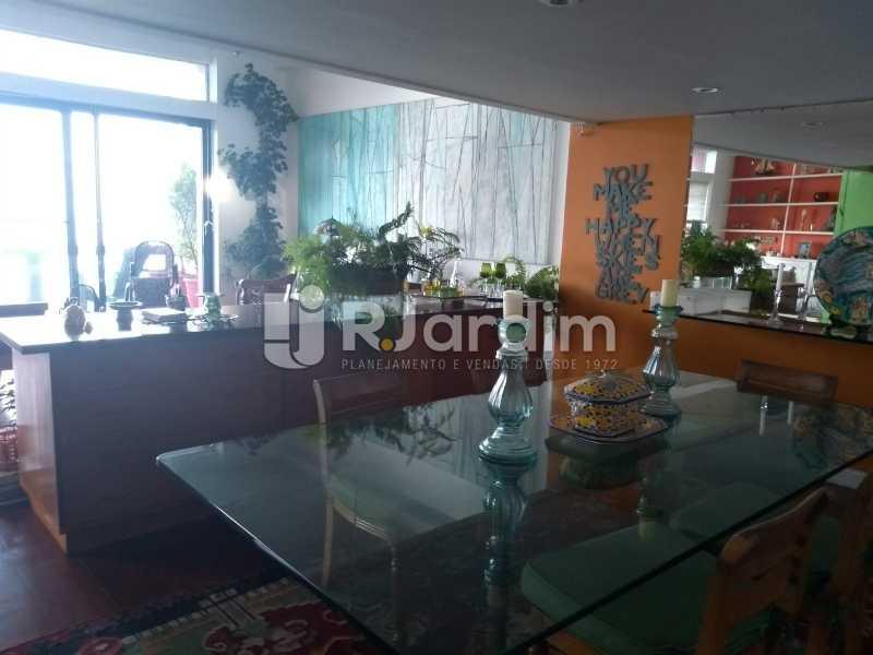 sala / varanda  - Casa em Condomínio Joá 5 Quartos - LACN50010 - 22
