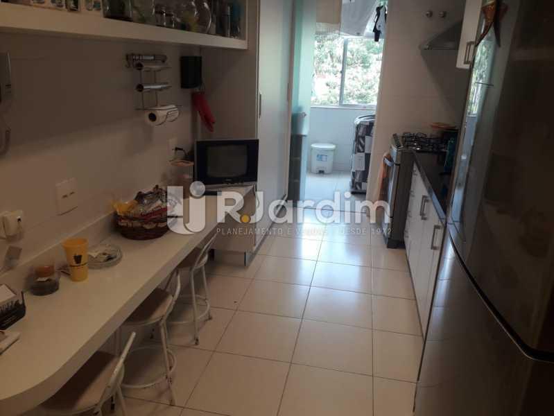 Cozinha - Apartamento Copacabana, Zona Sul,Rio de Janeiro, RJ À Venda, 3 Quartos, 145m² - LAAP32115 - 21
