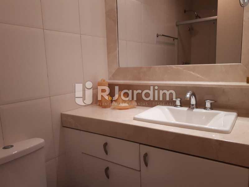 Banheiro - Apartamento Copacabana 3 Quartos - LAFL30005 - 16