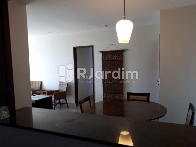 Vista da cozinha - Apartamento Copacabana 3 Quartos - LAFL30005 - 7