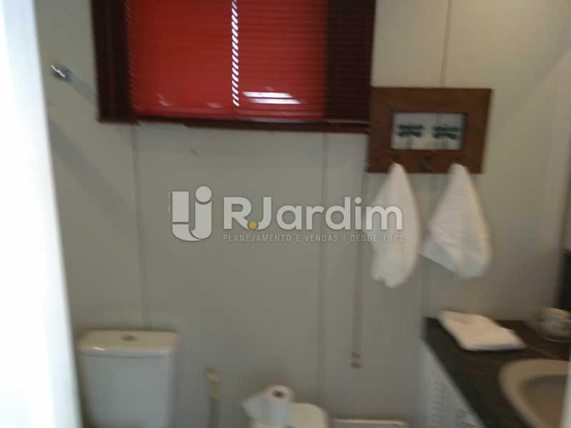 Banheiro Suite - Flat Rua Professor Antônio Maria Teixeira,Leblon, Zona Sul,Rio de Janeiro, RJ À Venda, 2 Quartos, 73m² - LAFL20091 - 18