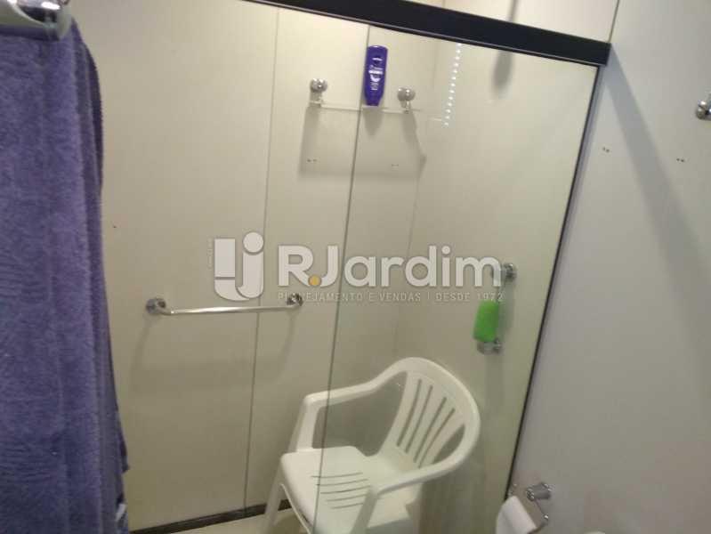 Banheiro Suite - Flat Rua Professor Antônio Maria Teixeira,Leblon, Zona Sul,Rio de Janeiro, RJ À Venda, 2 Quartos, 73m² - LAFL20091 - 16