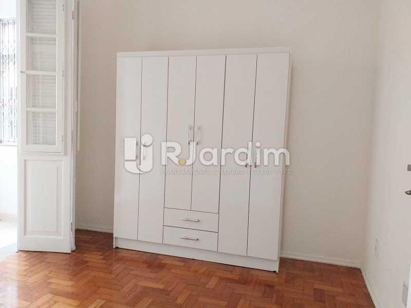 quarto com acesso a varanda - Apartamento Lagoa 2 Quartos Aluguel Administração Imóveis - LAAP21505 - 6