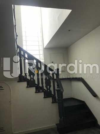 Acesso 2º piso - Jardim Botânico, Casa Comercial, 454 m² . - LACC00041 - 5