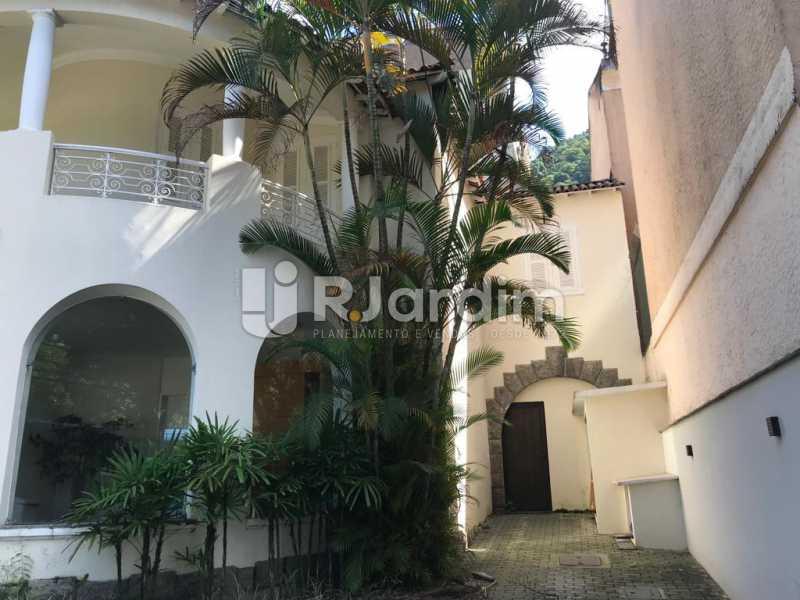 Fachada lateral - Jardim Botânico, Casa Comercial, 454 m² . - LACC00041 - 4