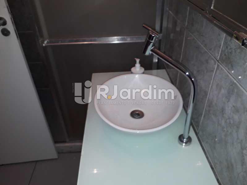 Banheiro Social cuba e Box - Apartamento Botafogo 2 Quartos Aluguel Administração imóveis - LAAP21530 - 13