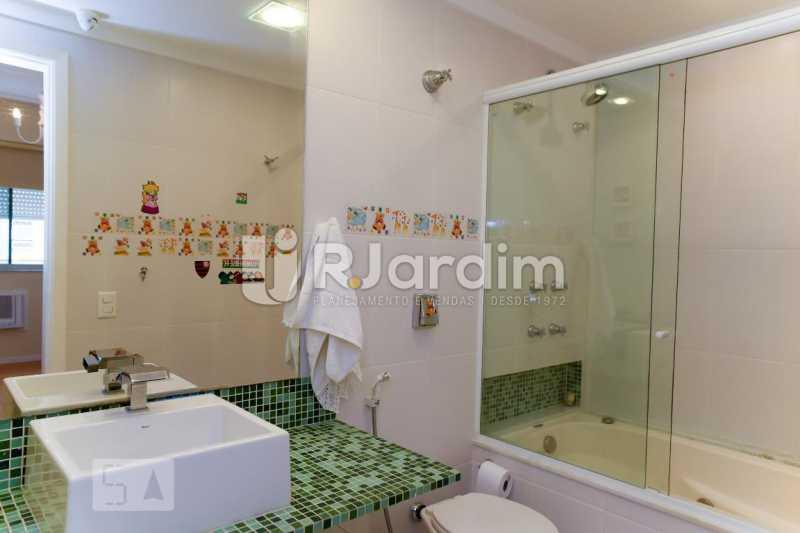 17banho suite 2 - Apartamento Leblon 3 Quartos Aluguel Administração Imóveis - LAAP40793 - 18