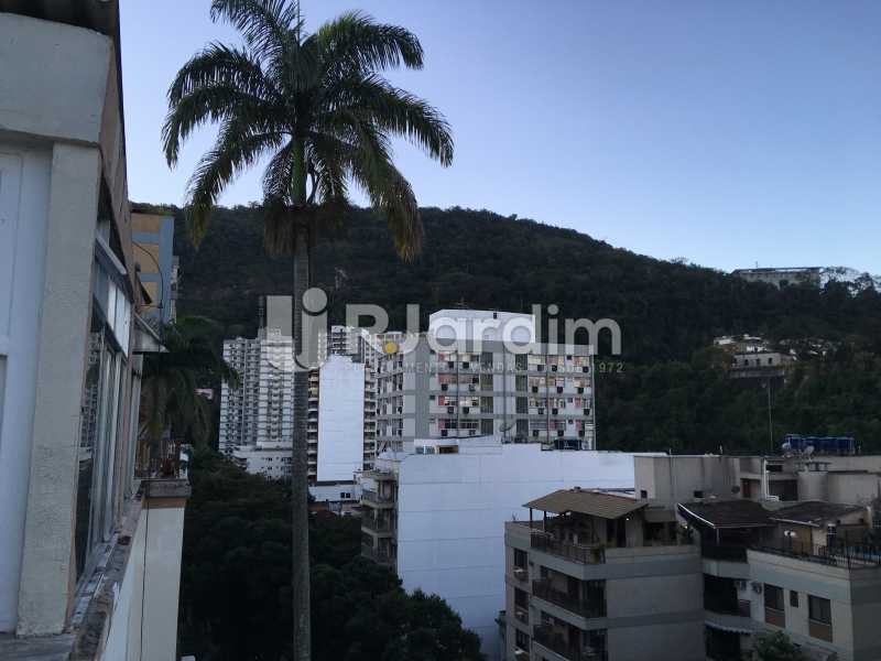 Vista fundos - Cobertura Rua das Laranjeiras,Laranjeiras, Zona Sul,Rio de Janeiro, RJ À Venda, 3 Quartos, 230m² - LACO30288 - 6