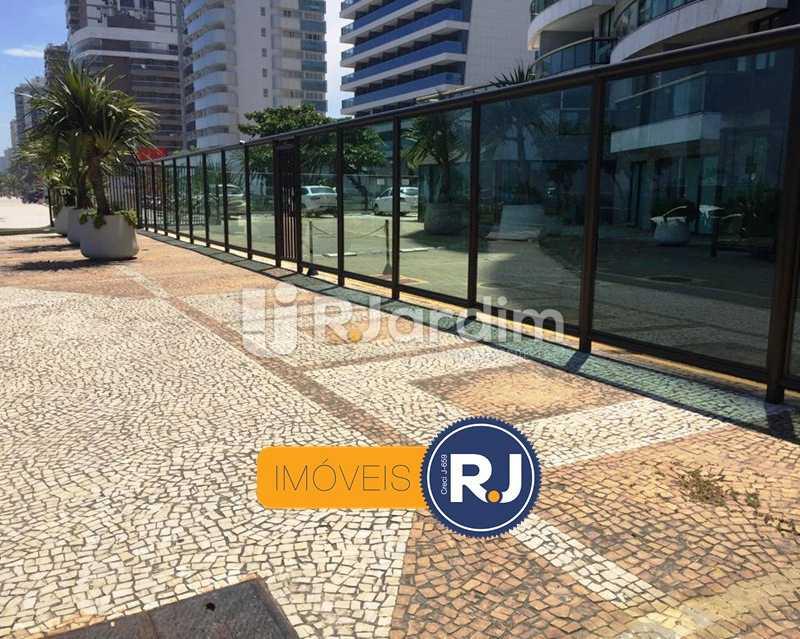 Entrada do predio - Compra Venda Apartamento Residencial Barra da Tijuca - LAAP10382 - 3