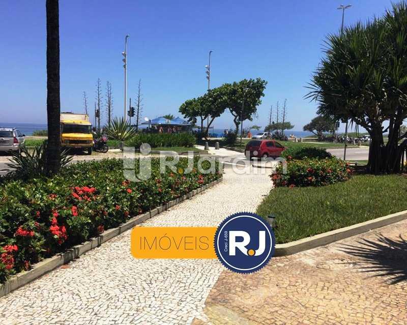 Entrada do predio - Compra Venda Apartamento Residencial Barra da Tijuca - LAAP10382 - 1
