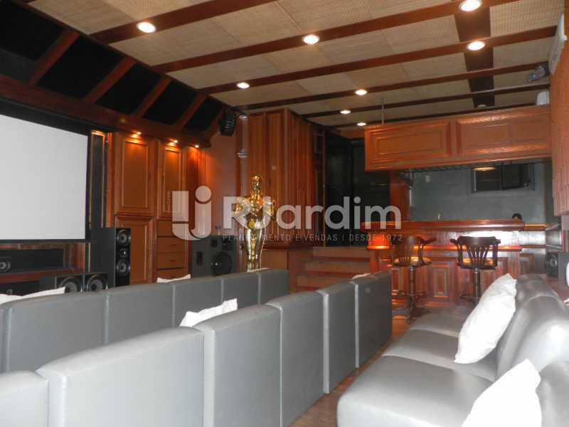 Sala de cinema - Casa à venda Rua Cosme Velho,Cosme Velho, Zona Sul,Rio de Janeiro - R$ 6.500.000 - LACA40047 - 4