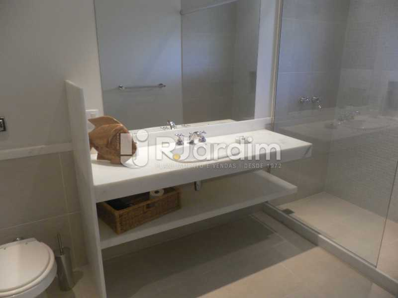 Banheiro  - Casa à venda Rua Cosme Velho,Cosme Velho, Zona Sul,Rio de Janeiro - R$ 6.500.000 - LACA40047 - 24