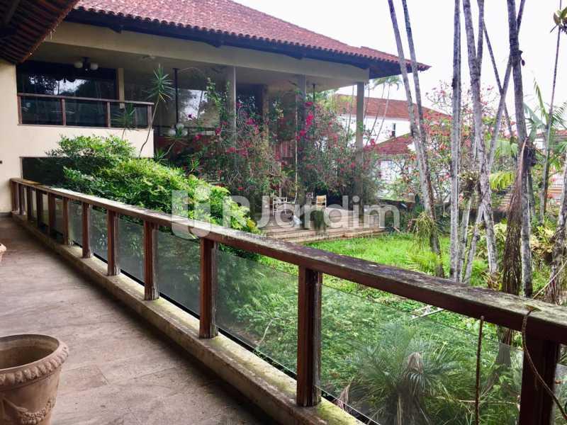 vista lateral da casa - Casa Rua Senador Simonsen,Jardim Botânico,Zona Sul,Rio de Janeiro,RJ À Venda,6 Quartos,2000m² - BGCA60001 - 3