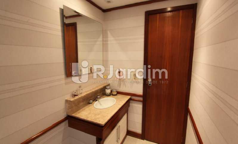 banheiro  - Apartamento À Venda Avenida Epitácio Pessoa,Lagoa, Zona Sul,Rio de Janeiro - R$ 1.300.000 - LAAP10392 - 15