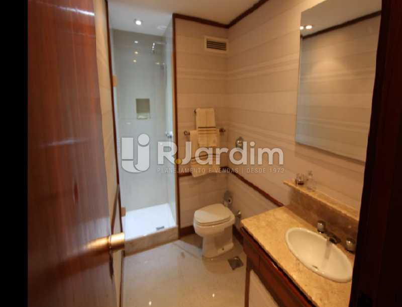 banheiro  - Apartamento À Venda Avenida Epitácio Pessoa,Lagoa, Zona Sul,Rio de Janeiro - R$ 1.300.000 - LAAP10392 - 16