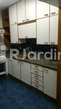 Cozinha  - Apartamento Rua General Venâncio Flores,Leblon, Zona Sul,Rio de Janeiro, RJ Para Alugar, 2 Quartos, 110m² - LAAP21596 - 11