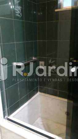 banheiro - Apartamento Rua General Venâncio Flores,Leblon, Zona Sul,Rio de Janeiro, RJ Para Alugar, 2 Quartos, 110m² - LAAP21596 - 7
