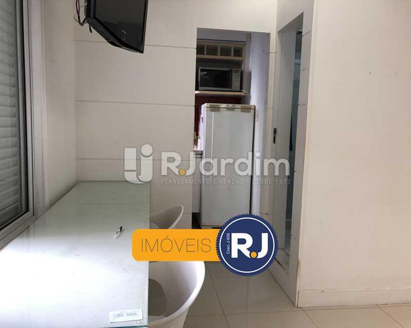 Quarto/sala - Kitnet/Conjugado À Venda - Leblon - Rio de Janeiro - RJ - LAKI10045 - 6