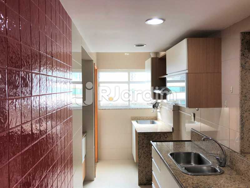 Cozinha - Apartamento Rua Visconde de Silva,Botafogo, Zona Sul,Rio de Janeiro, RJ À Venda, 3 Quartos, 102m² - LAAP32223 - 22