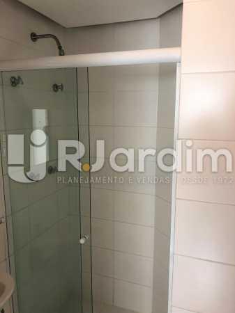 Banheiro suíte - Apartamento Rua Visconde de Silva,Botafogo, Zona Sul,Rio de Janeiro, RJ À Venda, 3 Quartos, 102m² - LAAP32223 - 12