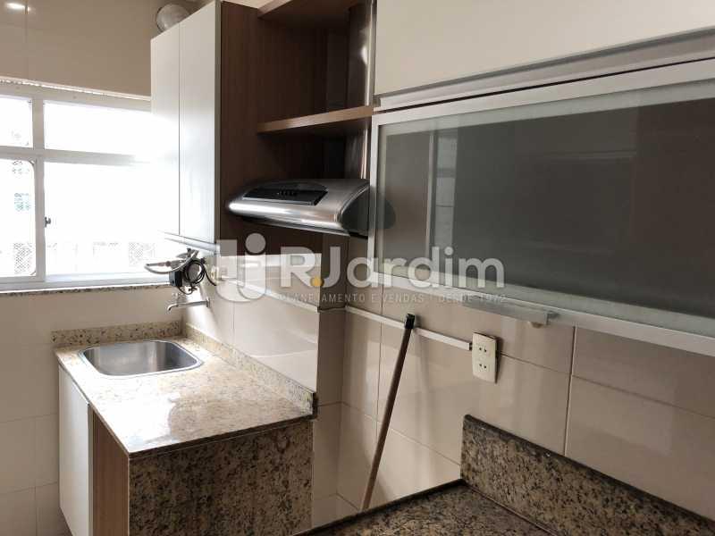 Cozinha/ A. Serviços - Apartamento Rua Visconde de Silva,Botafogo, Zona Sul,Rio de Janeiro, RJ À Venda, 3 Quartos, 102m² - LAAP32223 - 25