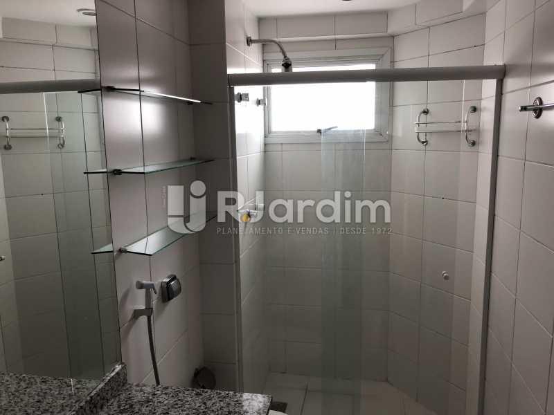 Banheiro Social - Apartamento Rua Visconde de Silva,Botafogo, Zona Sul,Rio de Janeiro, RJ À Venda, 3 Quartos, 102m² - LAAP32223 - 17